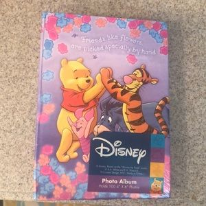 Disney Photo Album Holds 100 photos 4x6""